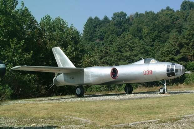 Ил-28 автомобили, вертолёты, самое массовое, самое-самое, самолёты, техника