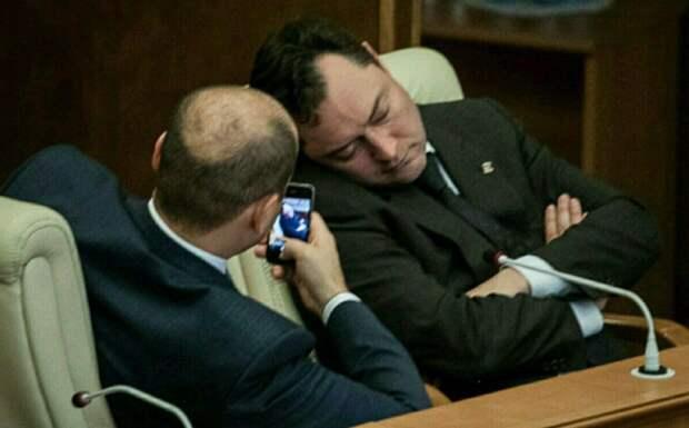 Крымским чиновникам посоветовали не ссориться с журналистами