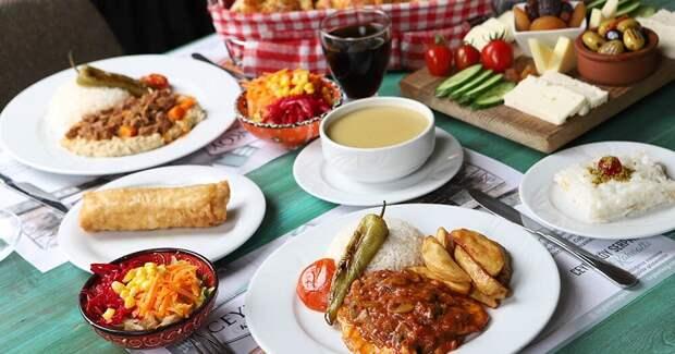 Скромный ужин по-турецки. Источник фото gastronotunmutfagi.blogspot.com
