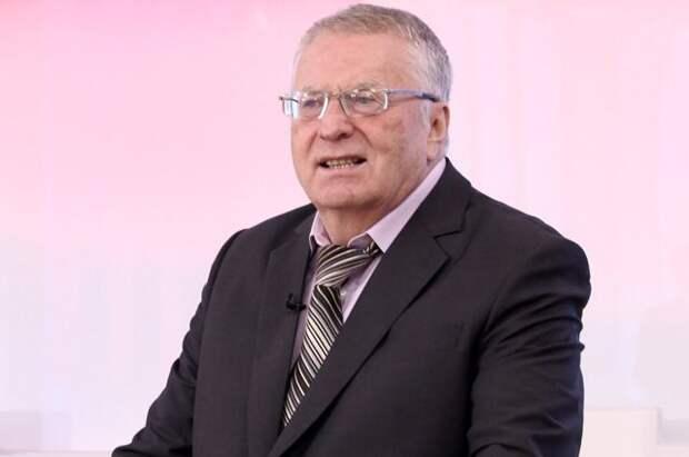 Жириновский призвал срочно запретить выезд из России в целях туризма