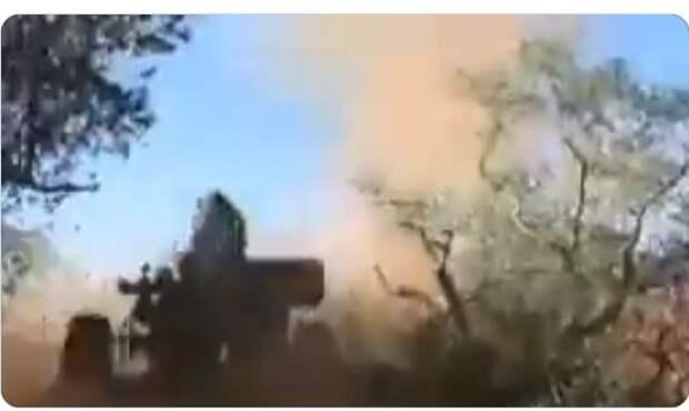 """Ствол """"испарился"""": неудачный выстрел из пушки М-46 сняли на видео"""