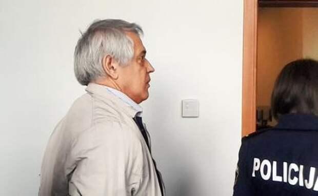 Суды в Риге над 67-летним профессором, писателем и правозащитником Александром Гапоненко, отсидевшим во время следствия 4 месяца в Рижском централе «за деятельности против государства», не кончаются. Теперь принялись за русских журналистов(на фото)