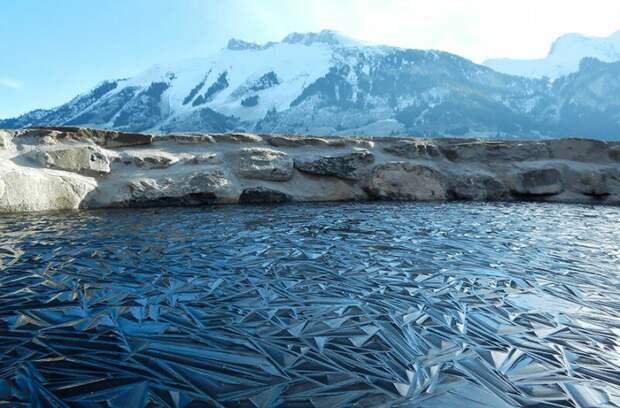 Замерзший пруд, Швейцария