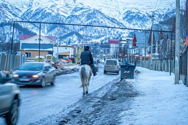 """У нас либо на Паджеро, либо на лошади"", — на чем ездят в горах Грузии?"