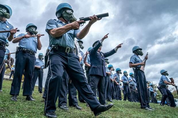 «Суд над чикагской семеркой»: Весь мир смотрит