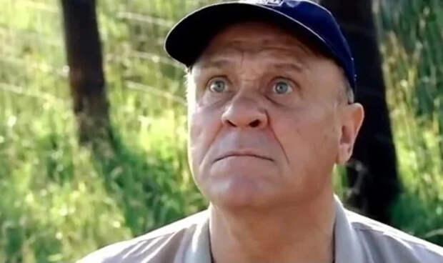 В фильме «Москва слезам не верит» Меньшов собирался сам сыграть Гошу. Но ему объяснили, почему это делать нельзя