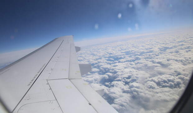 Самолет, летевший вСанкт-Петербург, приземлился ваэропорту Петрозаводска