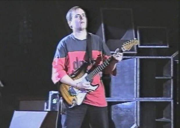 Юрию Хою 54. Жизнь певца от «Бомжа» до Жириновского