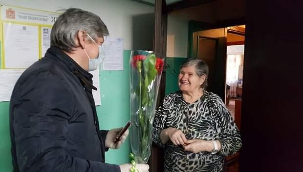 В День Победы ветеранам Подольска вручили юбилейные медали на дому