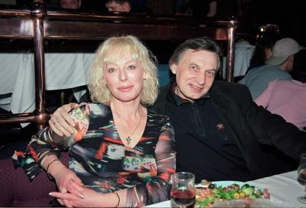 Кто и зачем придумал новую биографию кумиру 80-х Жене Белоусову