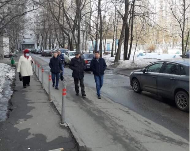 Первый замглавы управы проверил территорию на Алтуфьевке