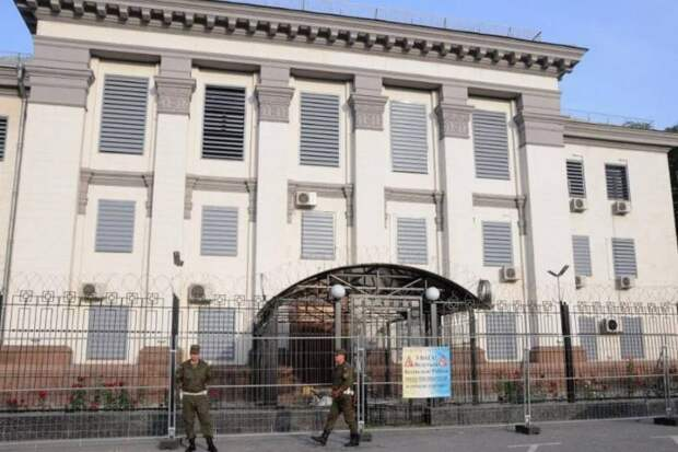 «Ноту послу уже вручили»: Украина высылает российского дипломата