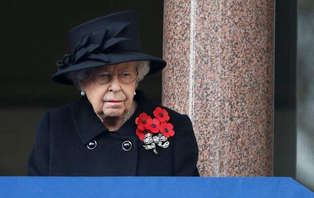 Королева впервые после смерти принца Филиппа появилась на публике: какое мероприятие посетила Елизавета II
