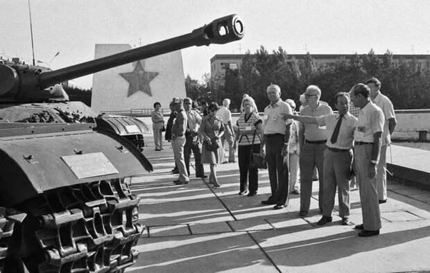 Что известно про снайпера, уничтожившего больше двухсот немцев? По мотивам его жизни сняли голливудский фильм Великая Отечественная война, История, Снайперы, Герои, Длиннопост