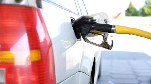 В Крыму объяснили высокую стоимость бензина отсутствием больших топливных компаний