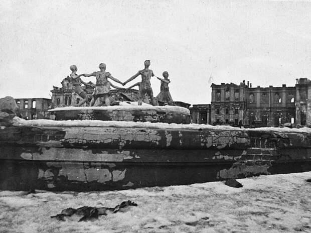 Мединский назвал учебники истории, в которых Путин не нашел Сталинградской битвы
