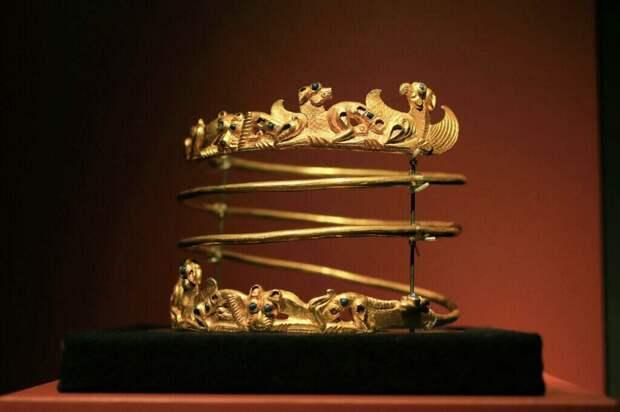 """Какое """"золото"""" отвоевала Украина: фото скифских сокровищ"""