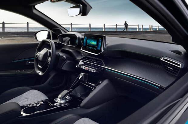 Передняя панель Peugeot 208 второго поколения.   Фото: autocar.co.uk.