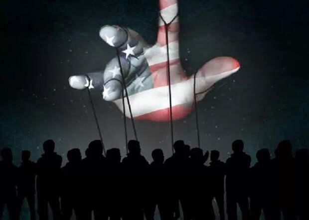 Захарова указала на связь цензуры в американских соцсетях и поведении США на мировой арене