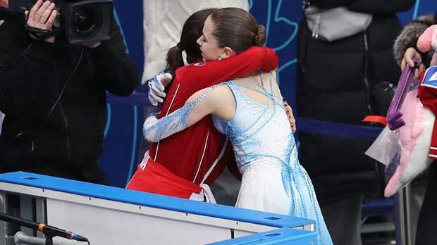 Девушки топят Медведеву. Валиева и Щербакова сделали команду Загитовой лидером после 1-го дня командного турнира