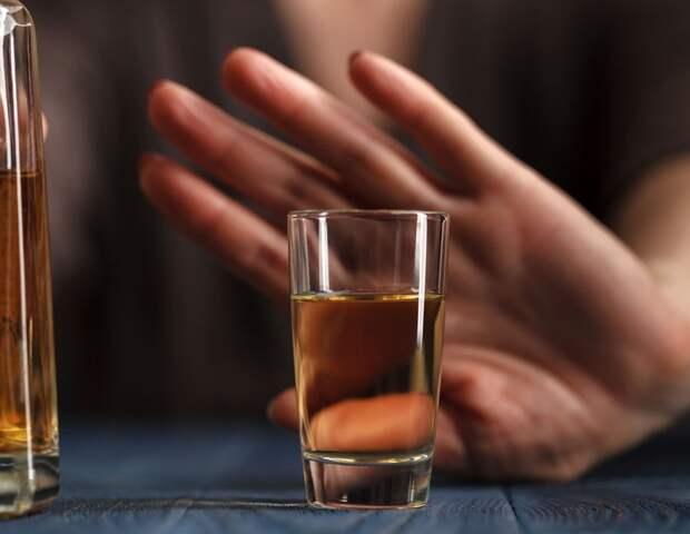 Пить или не пить: ученые предупредили об опасности отказа от алкоголя