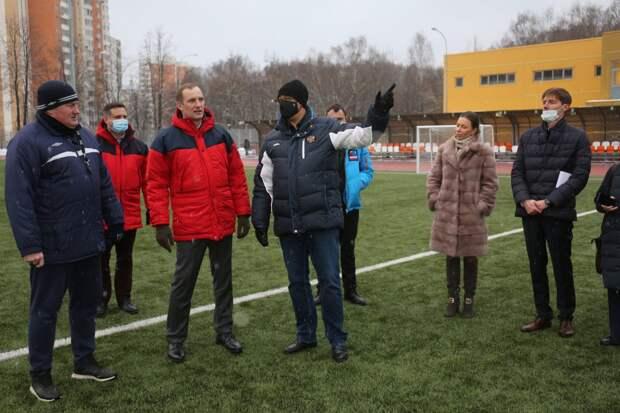 Вместе с префектом СВАО Алексеем Беляевым Председатель МГД Алексей Шапошников посетил спорткомплекс на северо-востоке столицы/Фото: пресс-служба МГД