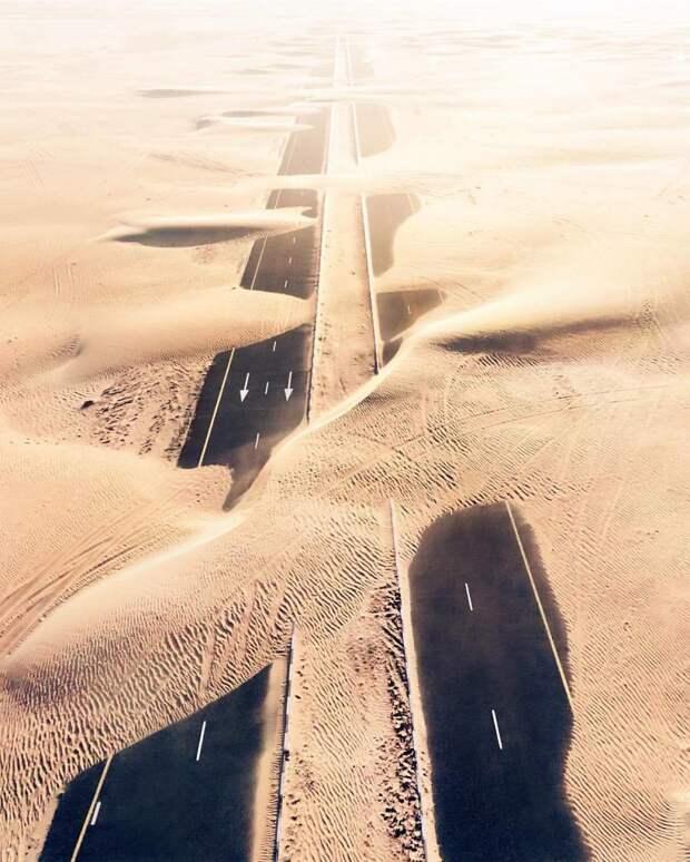 Пустыня против Человека в 7 захватывающих фото из Дубаи и Абу-Даби