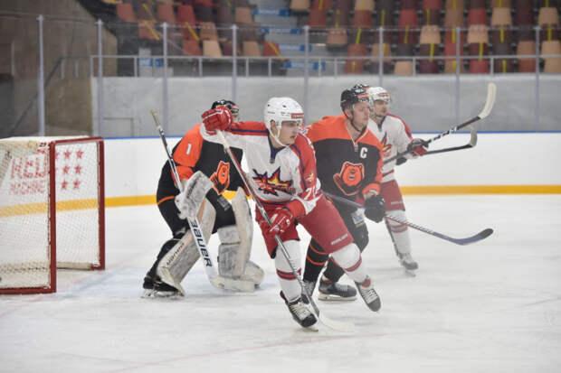 Хоккеисты «Ижстали» одержали первую победу в этом сезоне