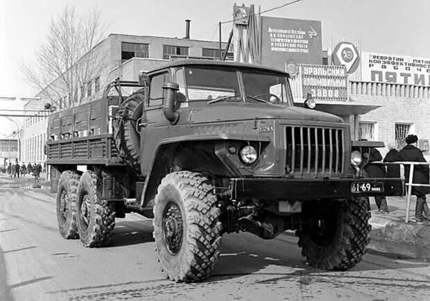 Советский грузовик, которому нет равных -  Урал - 4320