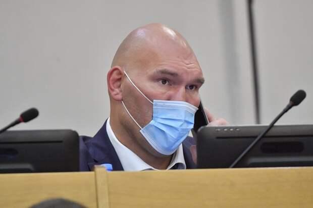 Может быть, Дима невнимательно следил: Валуева задели слова Губерниева о депутатах-спортсменах