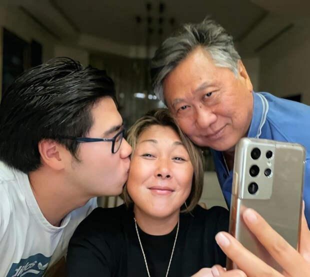 Анита Цой: «Отец ходил на телевидение и ругал мою маму, чтобы заработать деньги»