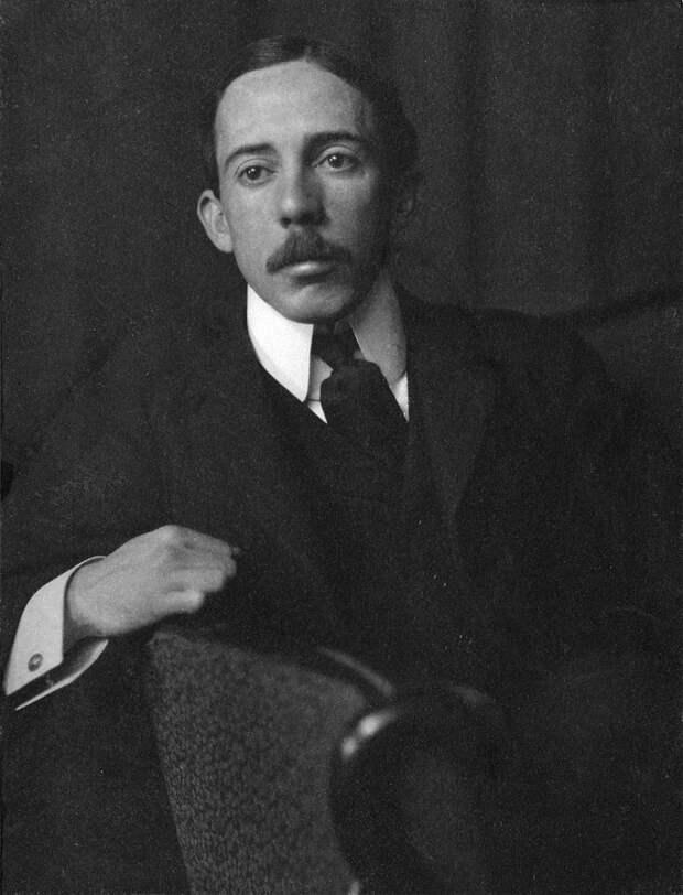 Alberto Santos-Dumont portrait.jpg