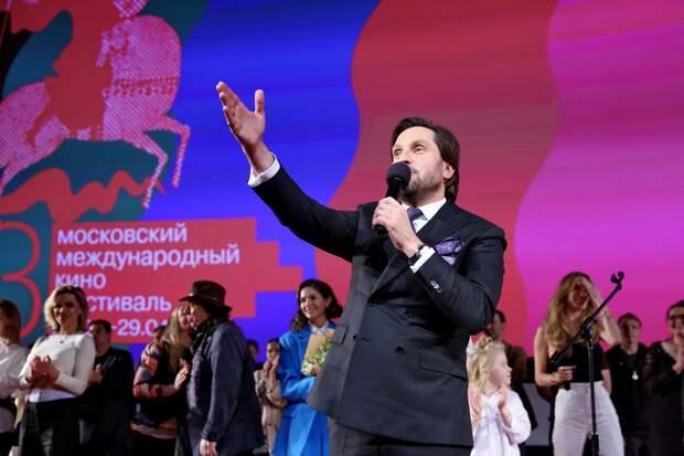 Прабабушка приехала: Гарик Харламов, Павел Деревянко и Светлана Лобода