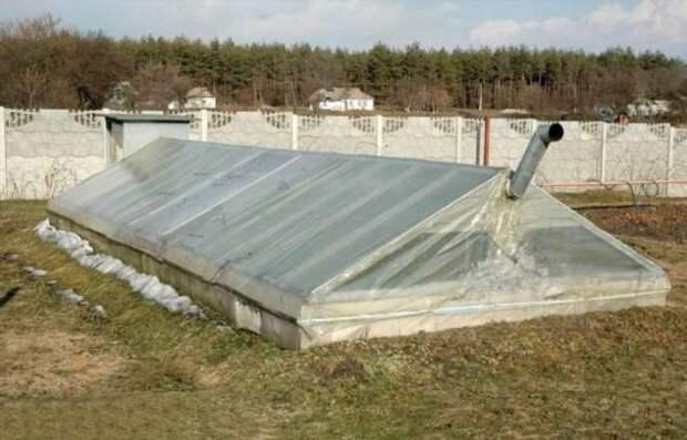 Зачем сооружать на участке теплицы-термосы: плюсы и минусы конструкций