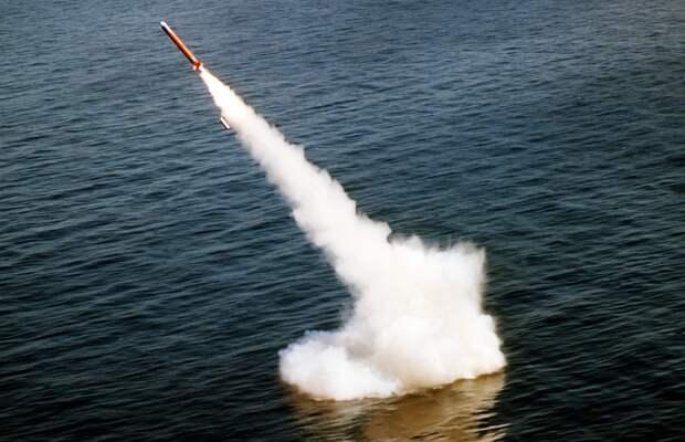 """Jinri Toutiao: Ракеты """"Булава"""" способны стереть с лица земли половину территории США"""