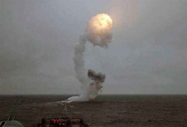 """Пуск ракеты """"Калибр"""", российская подлодка. Источник изображения: https://vk.com/denis_siniy"""