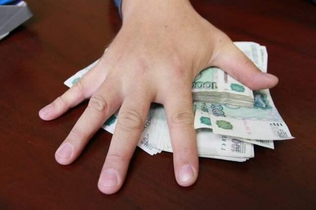 В Якутии гендиректор компании год не платил зарплату работникам