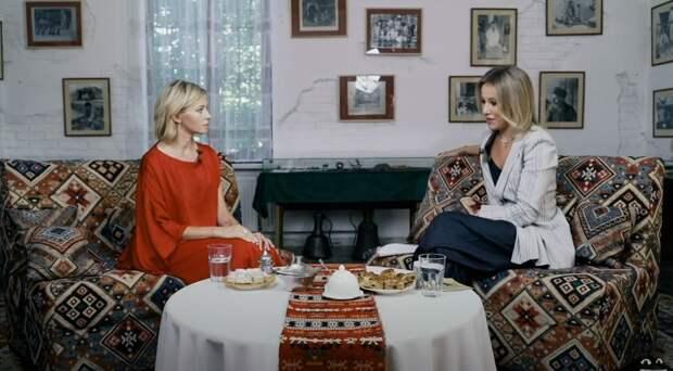Собчак прилетела в Крым ради интервью с Поклонской