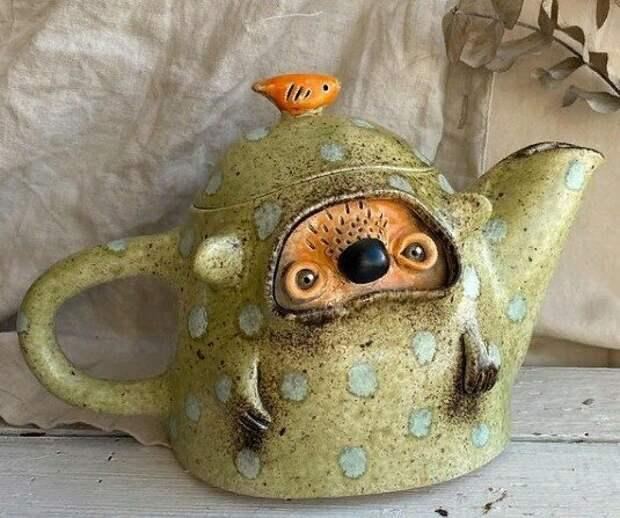 Будоражащая воображение керамика мастерицы из Уфы (сложно поверить, что это - чайники и вазы)