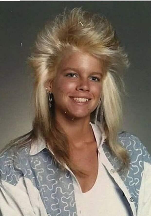 «Бизнесмен спереди, тусовщик сзади»: 12 угарных причесок модников 80-х