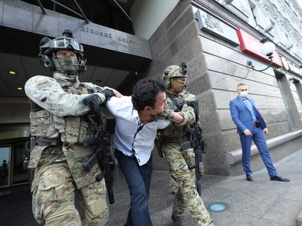 Новые террористы каждый день: почему на Украине практически ежедневно берут заложников. Даниил Безсонов