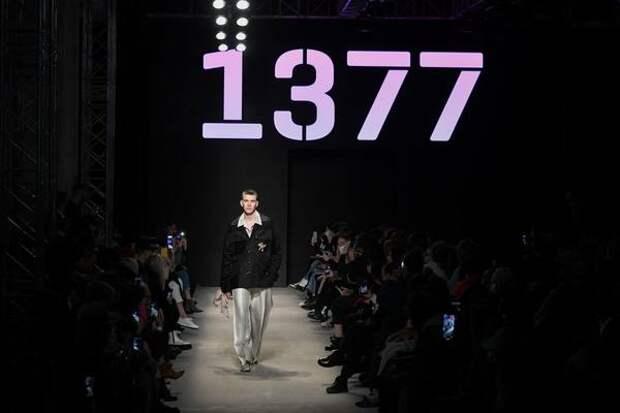 Впервые виртуальный стилист разобрал модный показ в режиме реального времени