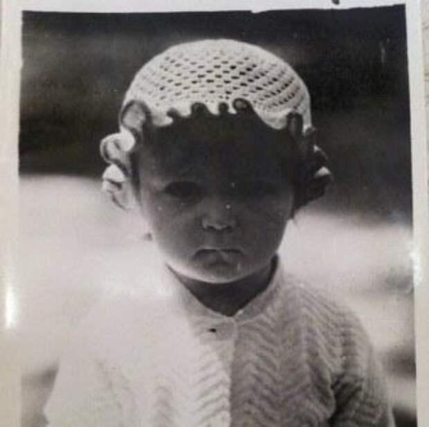 Анна Петровна в детстве. Киев, Российская империя.