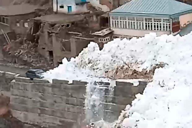 На дагестанское село сошла четвертая лавина подряд