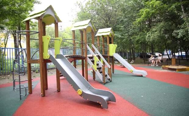 В Отрадном и Бибиреве появились новые игровые городки