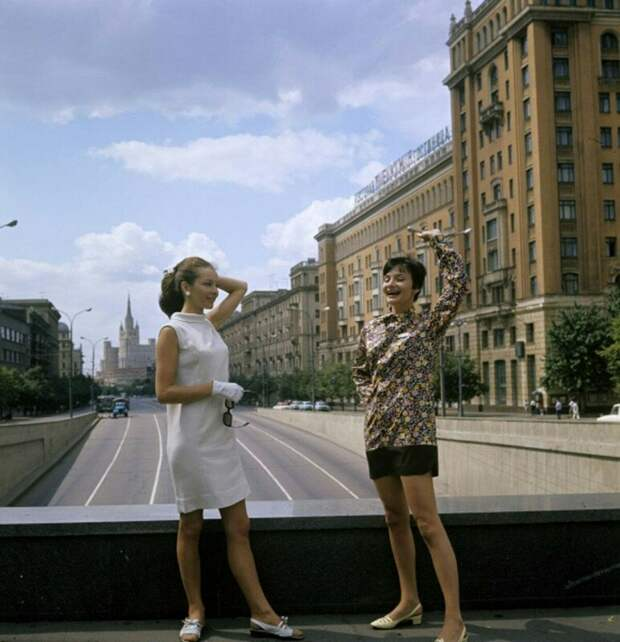 Барбара Брыльска и Анна Пруциаль (тоже польская актриса), Москва, 1967. история, ретро, фото, это интересно