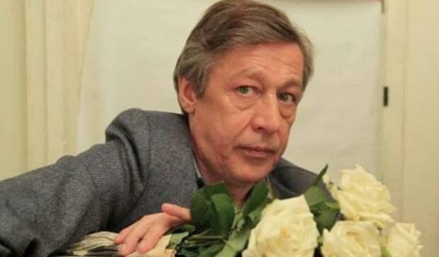 Михаил Ефремов повидался в колонии с женой и ждет адвокатов