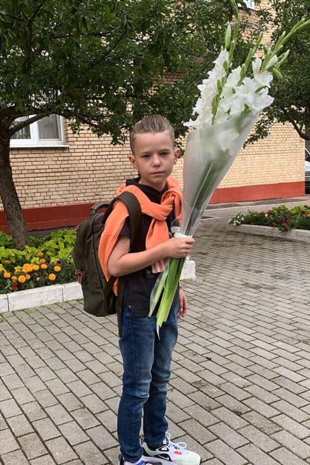 Сын Виктории Толстогановой и Алексея Аграновича Иван