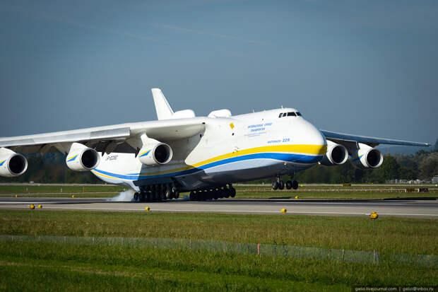 """30 лет Мечты. 21 декабря 1988 года - первый полет Ан-225 """"Мрiя"""""""