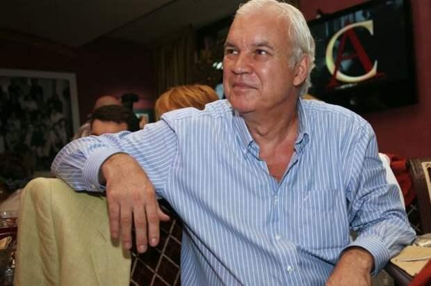 Телеведущего Владимира Молчанова госпитализировали в Москве